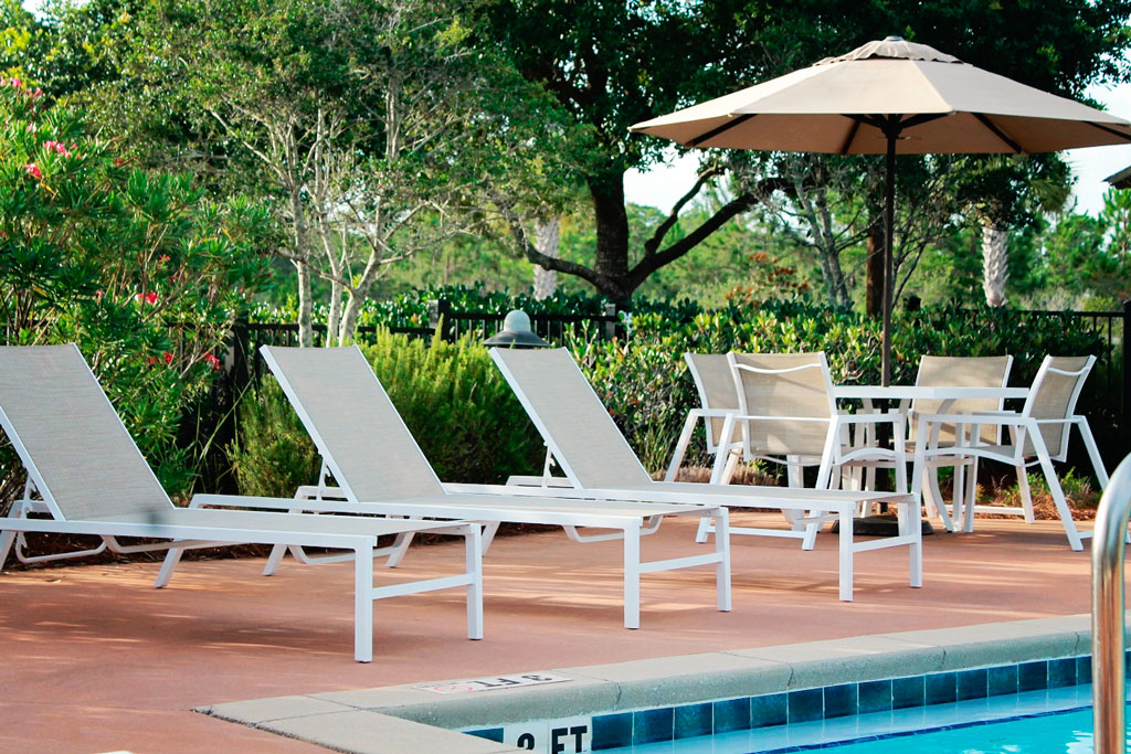COMMERCIAL HOA OUTDOOR FURNITURE