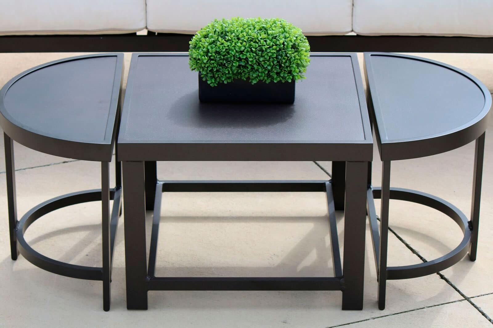 CONTRACT OUTDOOR FURNITURE HORIZON TABLES