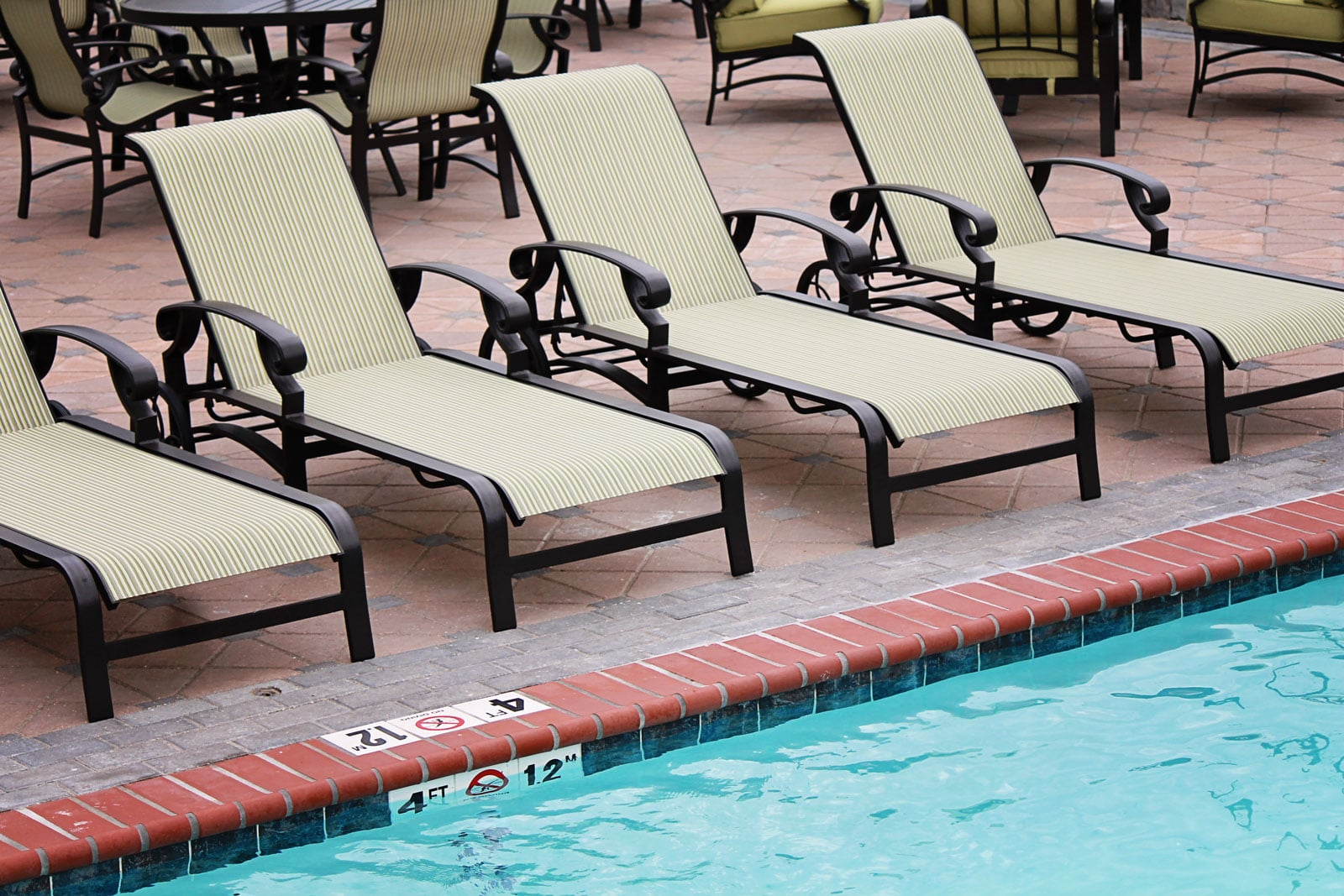 CONTRACT OUTDOOR FURNITURE MONTEREY SLING POOL LOUNGE CHAIRS